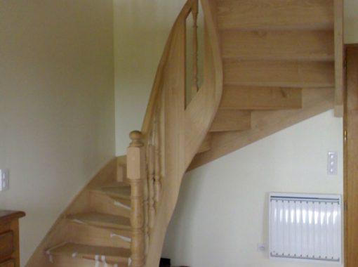 Escalier demi-tour en bois