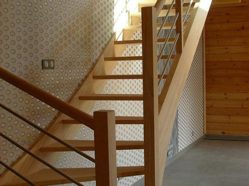 Escalier angle en bois