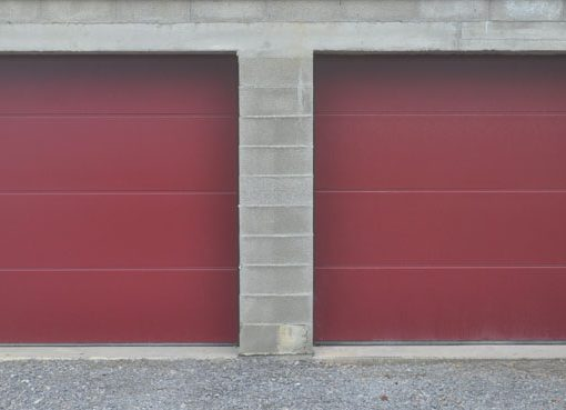 Portes de garage rouges