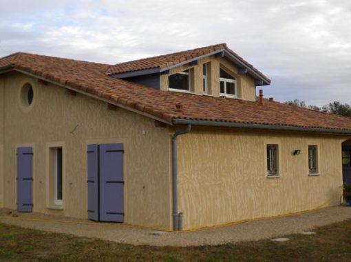 Volets porte-fenêtres violets