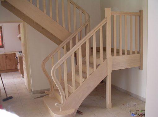 Escalier avec pallier et finitions