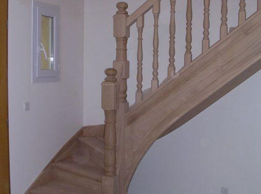 Escalier angle bois et finitions